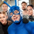 "Prime-Video-Highlights im April: ""The Tick"", ""Bosch"", ""Body of Proof"" – Monats-Höhepunkte des Amazon-Streamingdienstes – Bild: Amazon Studios"