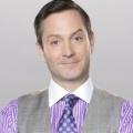 """Thomas Lennon (""""Odd Couple"""") und Ashley Williams (""""HIMYM"""") in FOX-Comedy """"Dan the Weatherman"""" – Weißer Wetterfrosch heuert bei spanischsprachigem Sender an – Bild: CBS"""