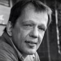 Schauspieler und Synchronsprecher Thomas Petruo ist tot – Bekannte Synchronstimme im Alter von 61 Jahren verstorben – Bild: Screenshot/YouTube