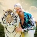 """Neues vom Tiger King: Dokureihe """"Joe Exotic: Neue Enthüllungen"""" kommt nach Deutschland – Zweiteiler klärt über die Mordanklage auf – © Netflix"""