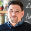 """""""Kitchen Impossible"""": Neue Staffel startet im Februar – Tim Mälzer unterzeichnet Exklusivvertrag mit VOX – © VOX / PA / Frank May"""