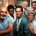 """Sat.1 Gold bringt """"Trapper John, M.D."""" und """"Chicago Hope"""" zurück – Wiedersehen mit Krankenhausserien – © CBS"""