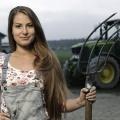 """Auf die """"Trucker Babes"""" folgen die """"Trecker Babes"""" – Neuer Ableger der Erfolgs-Dokureihe von kabel eins – © kabel eins"""