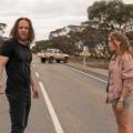 """""""Upright"""": Tim Minchin geht bei Universal TV auf Roadtrip – Ungleiches Paar mit Piano reist durch Australien – Bild: FOXTEL"""
