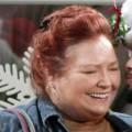 """""""Two and a Half Men"""": Berta-Darstellerin Conchata Ferrell verstorben – Emmy-nominierte Charakterschauspielerin wurde 77 Jahre alt – © Warner Bros. TV"""