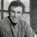 """""""M*A*S*H"""": Wayne Rogers im Alter von 82 Jahren verstorben – Schauspieler hatte zweite Karriere als Investor – © CBS"""