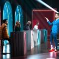 """""""Wer stiehlt mir die Show?"""": Quiz-Evolution im Retro-Look mit XXL-Showtreppe – Review – Lohnt sich Jokos neuester Streich auf ProSieben? – © ProSieben/Claudius Pflug"""
