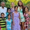 """""""Wir sind die Mirs!"""": Neue RTL II-Doku-Soap über deutsch-bengalische Großfamilie – Blick in den Alltag von Mutter, Vater und neun Kindern – © RTL II"""