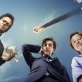 """Vor dem Start: """"You, Me and the Apocalypse"""": Sky 1 zeigt Weltuntergangs-Comedy – Deutschlandpremiere der britisch-amerikanischen Serie – © Sky1"""