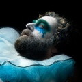 """ProSieben Fun zeigt Comedyserie """"Baskets"""" ab Anfang April – Zach Galifianakis träumt von einem Leben als französischer Clown – © FX Networks"""