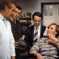 """""""Zahn um Zahn"""": MDR wiederholt DDR-Arztserie – Wiedersehen mit Dr. Wittkugel und """"Häppchen"""" – © MDR/rbb"""