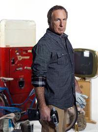 (2. Staffel) - Rick Dale macht in Las Vegas aus alten Dingen, die irgendwo auf dem Dachboden vor sich hin verrotten, wieder antike Schmuckstücke. Seine besten Kunden halten ihn dank seiner Fähigkeiten für einen zertifizierten Wundermacher ... – © 2010 AETN