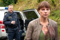 Ferry Öllinger (Kroisleitner), Kristina Sprenger (Karin Kofler). – Bild: ORF eins