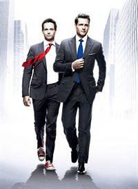 Bildmontage zur Serie 'Suits', Harvey Specter (Gabriel Macht, r.), Mike Ross (Patrick J. Adams). – © VOX