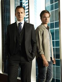 Harvey Specter (Gabriel Macht, l.), Mike Ross (Patrick J. Adams) – © VOX