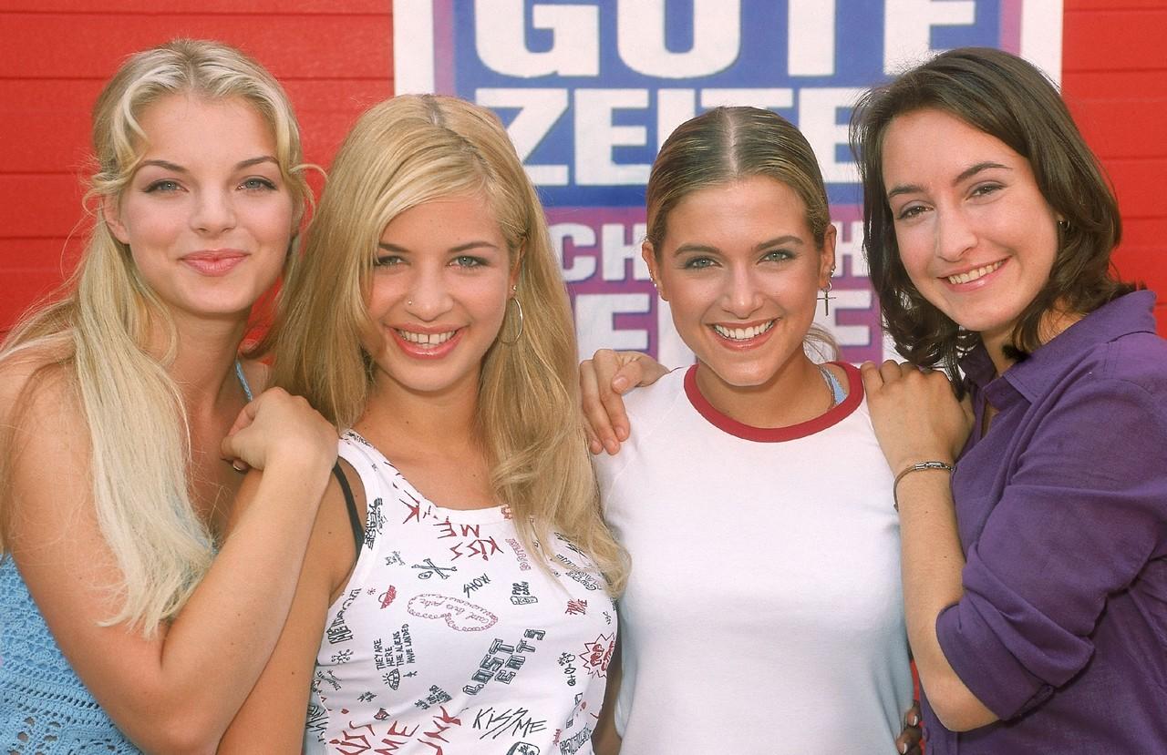 """""""GZSZ"""" im Jahr 2002: Julia Blum (Yvonne Catterfeld), Verena Koch (Susan Sideropoulos), Marie Balzer (Jeanette Biedermann) und Sandra Lemke (Maike von Bremen) TVNOW"""