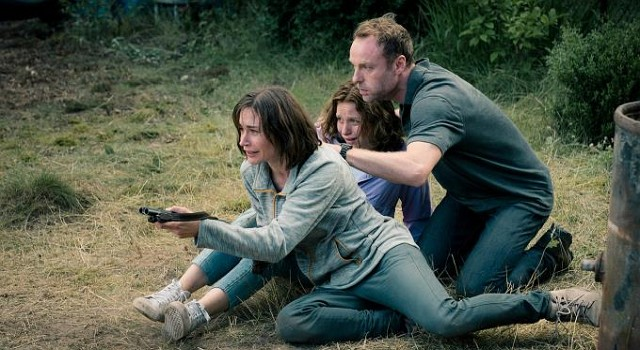 Auf der Flucht gerät die Steiner-Familie mit Susanne (Christiane Paul), Leonie (Lena Klenke) und Uli (Mark Waschke) tiefer in Schwierigkeiten