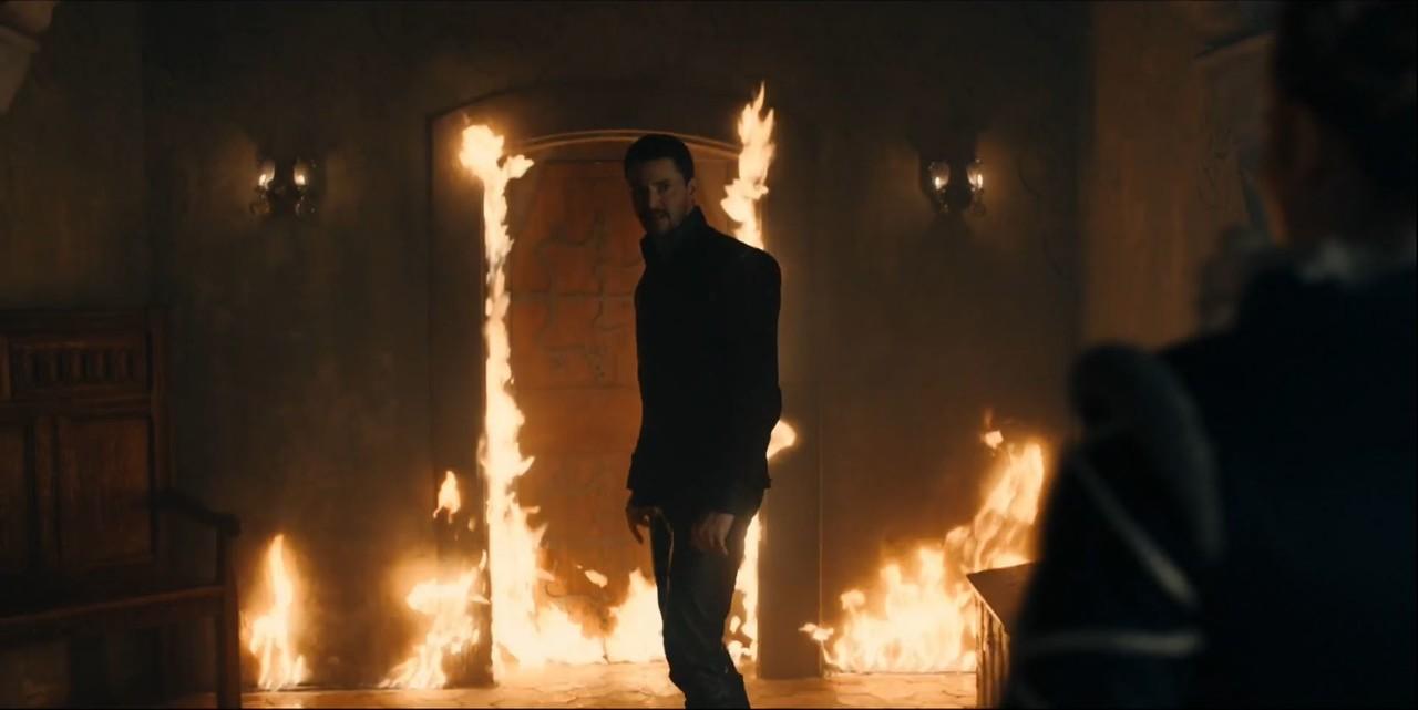 Zwischen Matthew (Matthew Goode) und Diana (Teresa Palmer) entbrennt ein hitziger Streit. Sky One