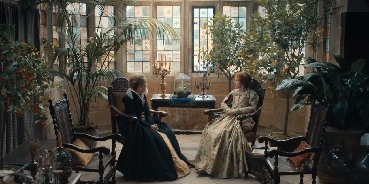 Diana (Teresa Palmer) findet bei Mary (Amanda Hale) keine Hilfe. Sky One