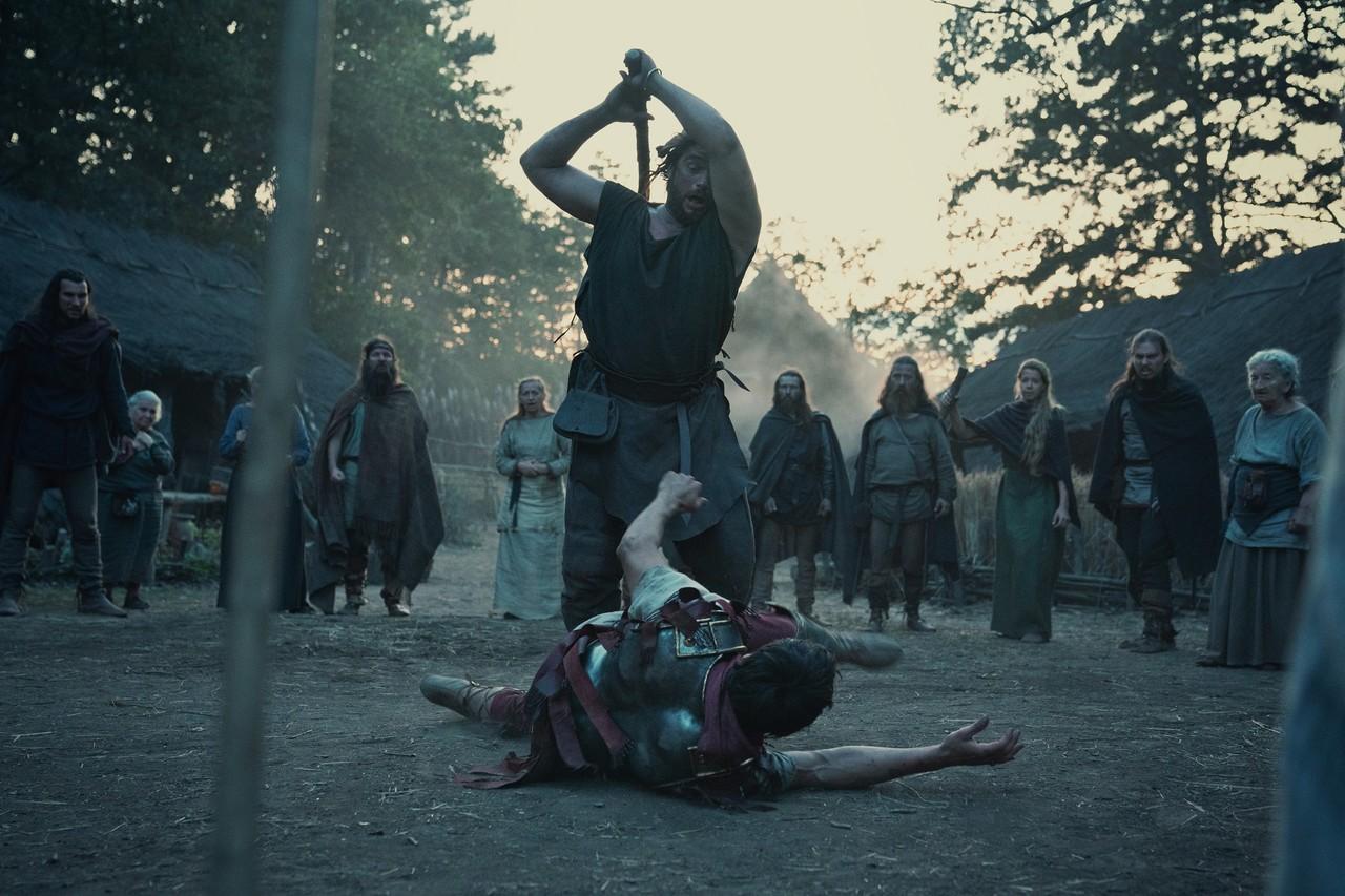 Arminius (Laurence Rupp) hat sich als Römer neue Feinde gemacht. Netflix/Schröder+Schömbs Public Relations GmbH