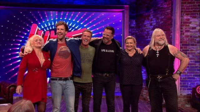 """""""Big Brother""""-Bewohner der ersten und zweiten Staffel feierten bei Luke Mockridges 2000er Show ein Wiedersehen Sat.1/Screenshot"""
