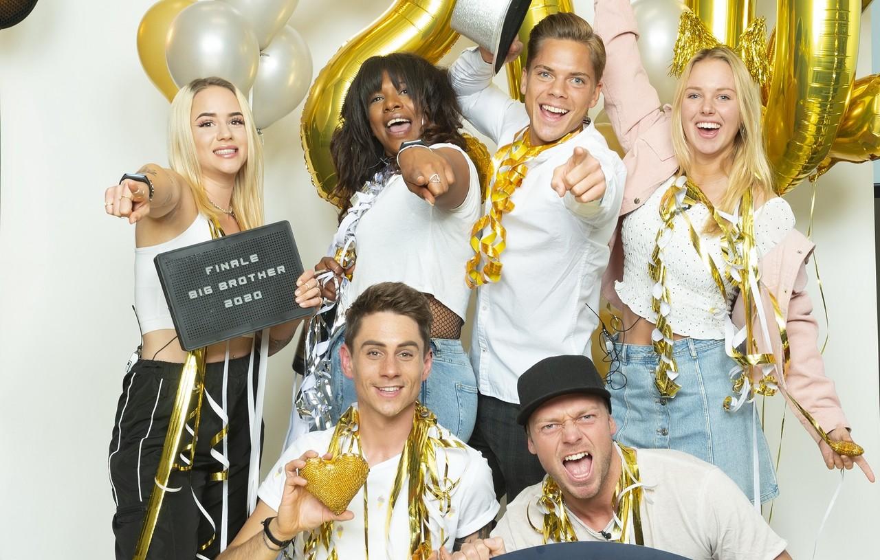 Die Finalisten: oben: Gina, Vanessa, Cedric, Rebecca; unten: Pat, Philipp Sat.1/EndemolShine/Stefan Menne