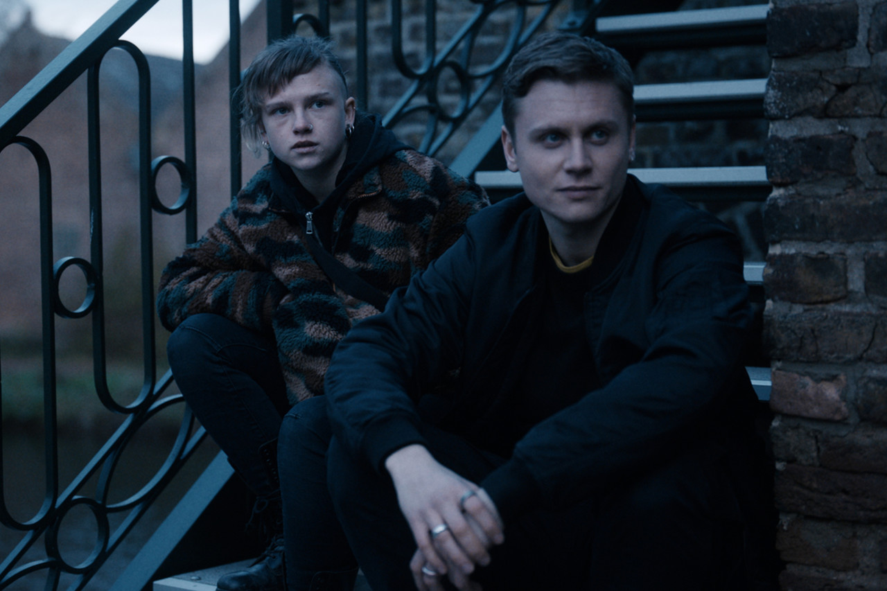"Jenny (Sinje Irslinger, l.) und Konstantin (Rafael Gareisen, r.) in ""Breaking Even"" ZDF/Tim Kuhn"