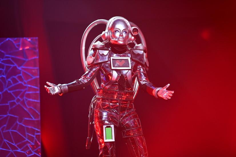 Caroline Beil als Roboter in Aktion ProSieben/Willi Weber