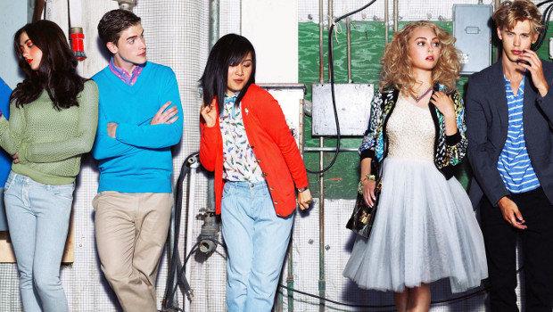 """Schrill, bunt, lässig: Der Cast von """"The Carrie Diaries"""" im 80er-Jahre-Look."""