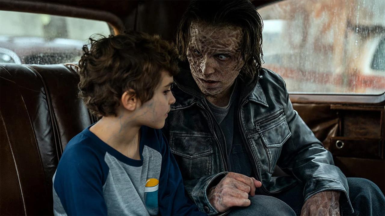 """Flop: """"NOS4A2"""" (AMC)Die Horrorserie """"NOS4A2"""" mit Zachary Quinto (""""Star Trek"""") auf dem US-Sender AMC (""""The Walking Dead"""") begann recht vielversprechend, schließlich lieferte die Romanvorlage niemand Geringerer als Joe Hill, Sohn des bekannten Horror-Masterminds Stephen King. Doch die düstere Handlung über Unsterbliche schien wohl nicht den Erfolg einzubringen wie vom Sender erhofft. Nach zwei Staffeln wurde dann der Stecker gezogen. In Deutschland übernahm Prime Video die Erstausstrahlung. (Kritik zu """"NOS4A2"""") AMC"""