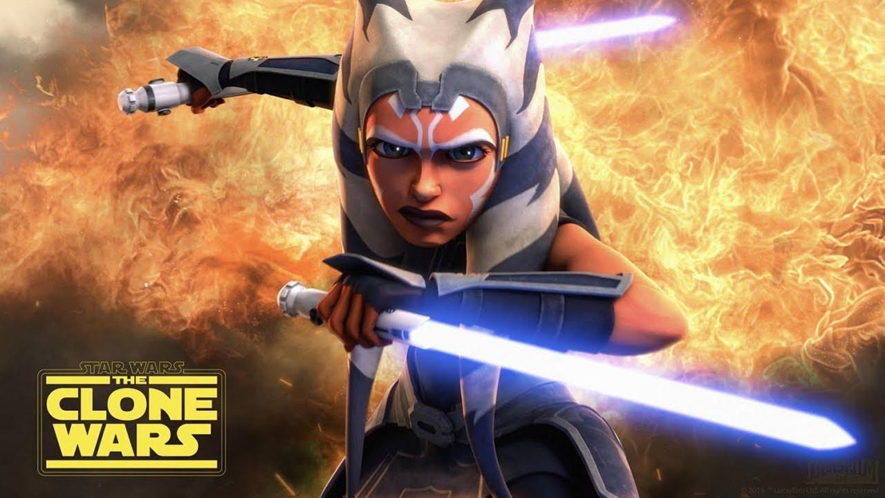 """Top: """"Star Wars: The Clone Wars"""" (Disney+)Mit der Ankündigung, die animierte Kultserie """"The Clone Wars"""" von Dave Filoni und """"Star Wars""""-Schöpfer George Lucas mit einer siebten Staffel wiederzubeleben, wurde ein Herzenswunsch zahlreicher Fans des Franchise erhört. Die Animationsserie wurde zwischen den Jahren 2008 und 2014 produziert und ursprünglich nach einer sechsten Staffel beendet. Zwischenzeitlich übernahm Disney das Studio Lucasfilm und schickte eine Nachfolgeserie namens """"Star Wars Rebels"""" an den Start, ebenfalls von Dave Filoni gestaltet. Doch bei den Fans hat das etwas holprige Finale von """"The Clone Wars"""" mit einer Menge Ungereimtheiten für Unmut gesorgt. Sechs Jahre später lenkte Disney ein und kündigte eine siebte Staffel an, die die noch offenen Enden der Handlung etwa um deren beliebten Charakter Ahsoka zum Abschluss bringen sollte. Das Ergebnis stimmte die Fans und Zuschauer zufrieden. Nicht nur das, aus der Serie heraus wurde auch die kommende Ablegerserie """"The Bad Batch"""" angekündigt. Disney+"""