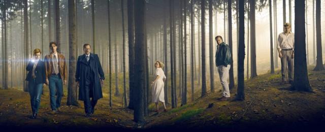 """Auch der im Herbst gezeigte Mystery-Dreiteiler """"Das Geheimnis des Totenwaldes"""" wurde ein großer Erfolg im Ersten. 6,55 Millionen Zuschauer sahen den ersten Teil des Event-Mehrteilers mit Matthias Brandt und Karoline Schuch. Auch die beiden weiteren Teile waren mit je 5,3 Millionen ein schöner Erfolg. Bereits vor der linearen Ausstrahlung gab es zwei Millionen Abrufe in der Mediathek. NDR/ConradFilm"""