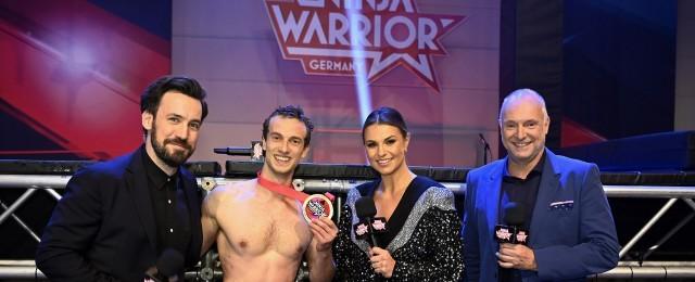"""Bereits die fünfte Staffel von """"Ninja Warrior Germany"""" strahlte RTL im Herbst aus – und von Ermüdungserscheidungen ist keine Spur. Im Gegenteil: Am Freitagabend hatte die private Konkurrenz keine Chance gegen die Physical Gameshow. Das diesjährige Staffelfinale sahen 3,56 Millionen Zuschauer – so viel wie nie zuvor. In der jungen Zielgruppe wurden überragende 24,3 Prozent Marktanteil verbucht. TVNOW/Markus Hertrich"""