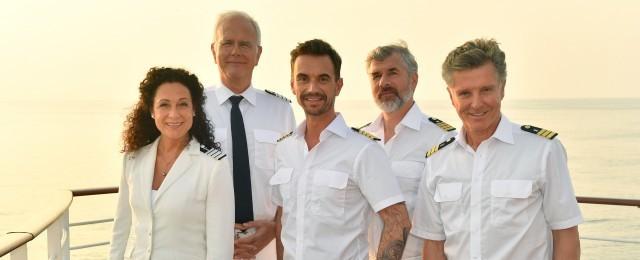"""Viel Häme gab es, als Florian Silbereisen als neuer """"Traumschiff""""-Kapitän verkündet wurde, doch die überragenden Einschaltquoten führten zum raschen Verstummen der Kritiker. Siebeneinhalb Millionen Zuschauer waren bei der Premiere am 2. Weihnachtstag 2019 dabei – noch dazu lief es in der jungen Zielgruppe der 14- bis 49-Jährigen mit 17,0 Prozent weit überdurchschnittlich. Die zweite Folge an Neujahr konnte die Reichweite dann sogar auf 7,80 Millionen steigern. ZDF/Dirk Bartling"""