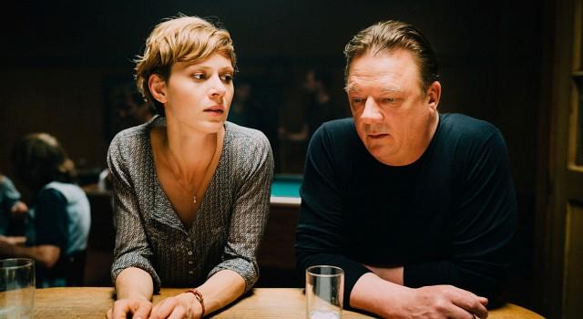 Kommissarin Anne Liebig (Katharina Schlothauer) scheitert an den hohen Erwartungen an ihren neuen Chef Henry Silowksi (Peter Kurth)