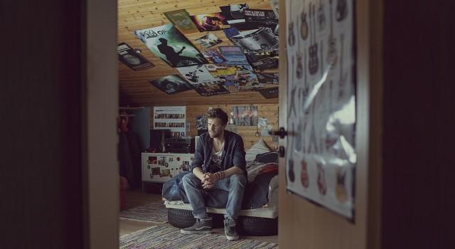 Bastian (Luke Mockridge), der Nestrückkehrer Frank Dicks/Netflix