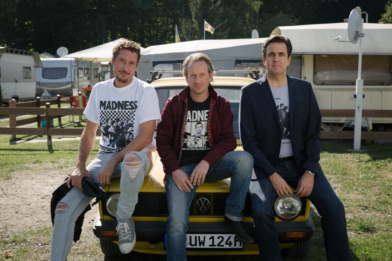 Paul (Hans Löw), Ole (Fabian Busch) und Alexander (Bastian Pastewka) (v. l.) ZDF/Frédéric Batie