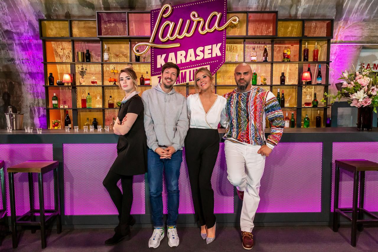 Laura Karasek mit den Gästen der ersten neuen Folge: Ronja von Rönne, Thilo Mischke und Massiv. ZDF/Steffen Matthes