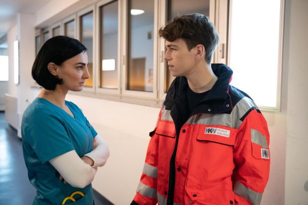 Nora (Mimi Fiedler) hat einen 16-jährigen Sohn (Elias Kaßner) TVNOW / Christoph Assmann