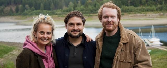 Olga von Luckwald (Lina), Nathan Nill (Regisseur) und Ole Fischer (Samuel) NDR/Schurkenstart Film