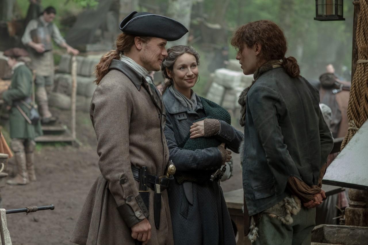Jamie (Sam Heughan) und Claire (Caitriona Balfe) haben gute Neuigkeiten für die Zwillinge. Starz