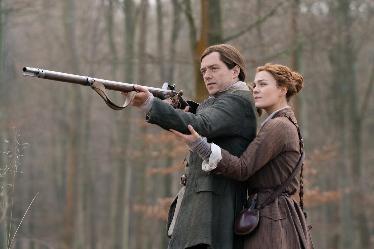 Roger (Richard Rankin) und Brianna (Sophie Skelton) haben unterschiedliche Pläne für ihre Zukunft. Starz