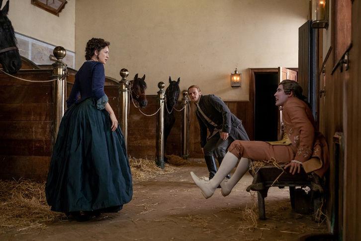 Phillip Wylie (Chris Donald) bekommt den Zorn von Claire (Caitriona Balfe) und Jamie (Sam Heughan) zu spüren. Starz
