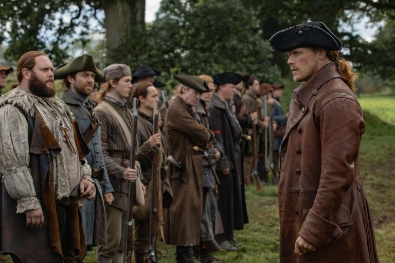 Jamie (Sam Heughan) bereitet seine Männer auf die Schlacht vor. Starz