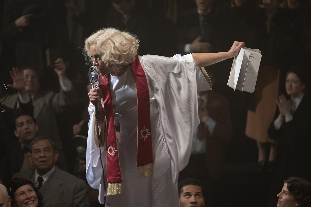 Tatiana Maslany als Sister Alice HBO