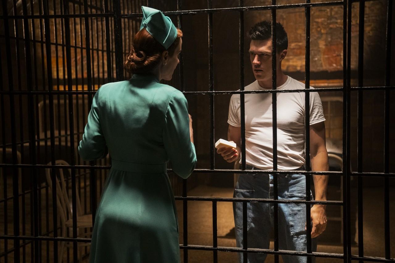"""Mildred Ratched (Sarah Paulson) und ihr Bruder Edmund (Finn Wittrock) in """"Ratched"""" Saeed Adyani/Netflix"""