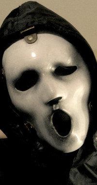 """Zwar mit neuer Maske, doch Ghostface darf in der """"Scream""""-Serie nicht fehlen."""