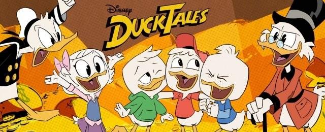 """DuckTales (Disney+, Tipp von Vera Tidona)Dagobert Duck ist der wohl reichste Bewohner von Entenhausen, aber auch der mit Abstand geizigste. Gerne schwimmt er ein paar Runden in seinem Geldspeicher, auf den es die Panzerknacker abgesehen haben. Doch eigentlich steckt in ihm ein großer Abenteurer, der mit seinen Neffen Tick, Trick und Track rund um die Welt reist und unzählige Geheimnisse, gefährliche Abenteuer und jede Menge Rätsel löst. Wer erinnert sich nicht gerne an die kultige Zeichentrickserie """"DuckTales"""" (1987 bis 1990) nach den Comics von Carl Barks. Inzwischen hat Disney die Abenteuer von Dagobert Duck und seinen Neffen neu verfilmt. Die optisch und teilweise auch inhaltlich überarbeitete Neuauflage wird als Hommage an den Klassiker beschrieben und führt auch ein paar neue Charaktere in die Geschichten ein. Jetzt können Fans beide Serien erstmals komplett mit sämtlichen Folgen und Staffeln auf dem neuen Streamingdienst Disney+ noch einmal anschauen. Weitere Folgen zur neuen """"DuckTales""""-Serie sind bereits in Arbeit. Disney"""