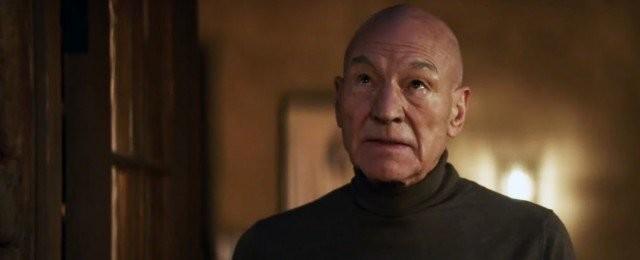 """Star Trek: Picard (Prime Video, Tipp von Vera Tidona)Captain Jean-Luc Picard (Patrick Stewart) der USS Enterprise hat vor 15 Jahren nach einem Eklat der Sternenflotte den Rücken gekehrt und widmet sich nun im Ruhestand seinem Hobby als Winzer auf seinem eigenen Weinberg. Als neue Nummer Eins steht ihm sein treuer Hund zur Seite. Als ihn eines Tages eine ihm völlig Fremde aufsucht und ihn um Hilfe bittet, zögert er nicht lange und stürzt sich in ein neues Weltraumabenteuer. Die Science-Fiction-Serie mit Patrick Stewart baut auf die Kultserie """"Raumschiff Enterprise – Das nächste Jahrhundert"""" und den dazugehörigen Kinofilmen wie """"Star Trek X: Nemesis"""" auf. Fans dürfen sich neben einer neuen Story im """"Star Trek""""-Universum auch auf ein Wiedersehen mit bekannten Gesichtern aus dem Serienhit freuen: Jonathan Frakes als William T. Riker, Marina Sirtis als Deanna Troi, Jeri Ryan als Seven of Nine und Brent Spiner als Data. Die erste Staffel ist auf Amazon Prime Video abrufbar, eine zweite Staffel ist bereits bestellt. CBS"""