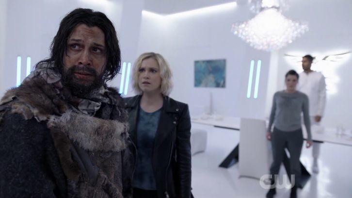 Bellamy (Bob Morley) scheint nicht mehr derselbe zu sein. The CW